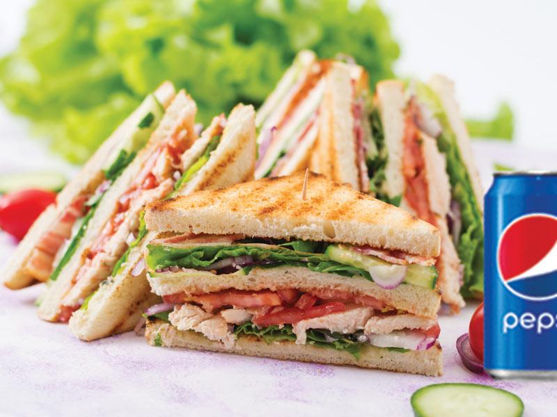 #10)  Club sandwich + Sous-marin 14
